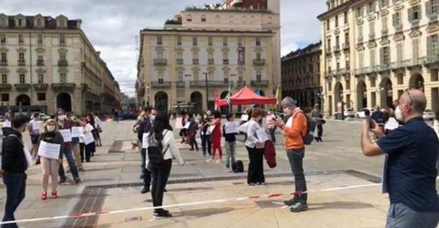 Флешмоб учителей в Турине