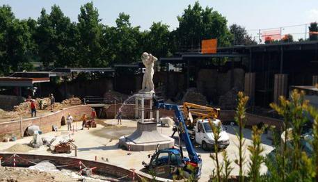 Статуя Геракла в Италии