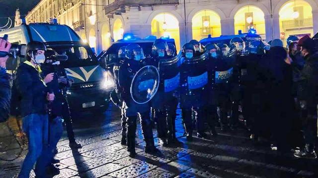 Уличные столкновения и беспорядки Италия Турин