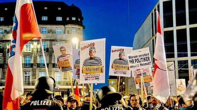 Протесты против изоляции в Германии, 30 арестов