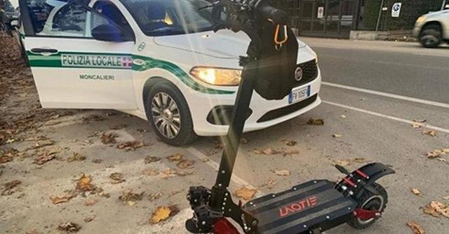 В Турине задержан парень управляющий электросамокатом на скорости 100 км час