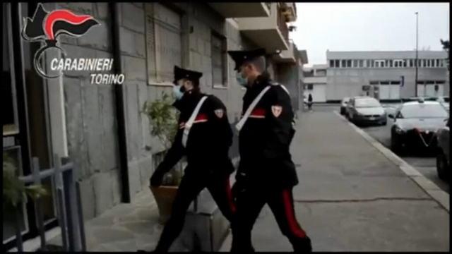 Самоубийство в прямом эфире в Турине на глазах дочери