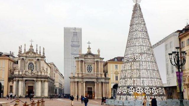 Рождественские огни и елка в Турине 2020