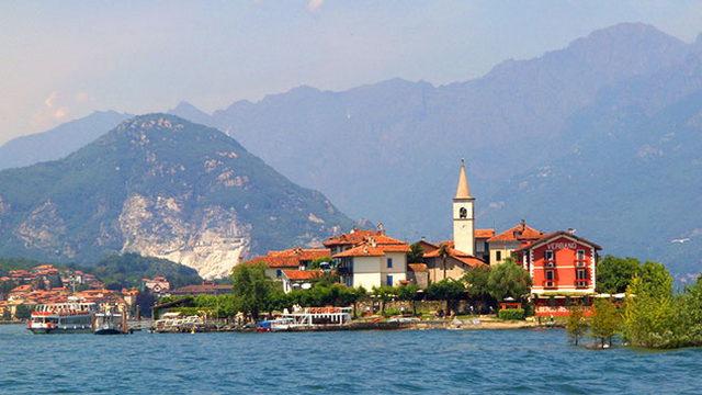небольшой городок на большом озере с богатой историей Стреза