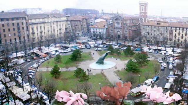 Рынок на Пьяцца Бенефика в Турине Пьемонт Италия ТОП 10