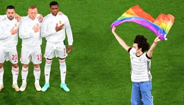 Активист ЛГБТ во время исполнения гимна Венгрии выбежал на поле