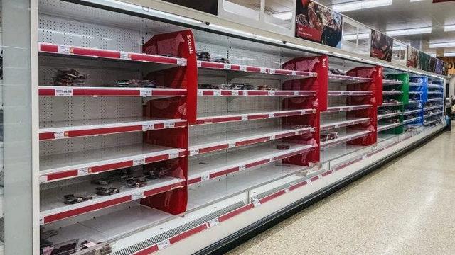Полки британских супермаркетов пусты